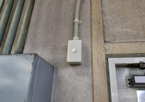 嘉麻市 某所 自動ドア電源工事